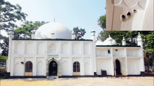 এখনো বাঘের থাবার চিহ্ন আছে 'খোজার মসজিদে'