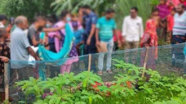 প্রাইভেট পড়তে গিয়ে নিখোঁজ, বাগানে মিলল ছাত্রীর বিবস্ত্র লাশ