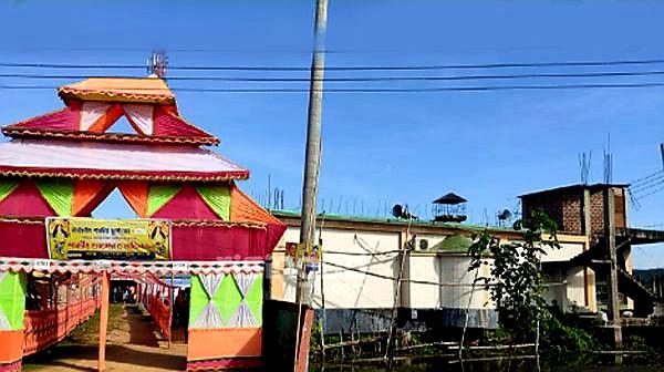 এক আঙিনায় মসজিদ-মন্দির, সম্প্রীতির অনন্য নিদর্শন